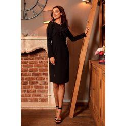 ALWAYS FREE Sukienka biznesowa z żabotem czarny. Czarne długie sukienki Lemoniade, do pracy, biznesowe, z klasycznym kołnierzykiem, z długim rękawem. Za 169,00 zł.