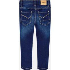 Mayoral - Jeansy dziecięce 92-134 cm. Niebieskie spodnie chłopięce Mayoral, z aplikacjami, z bawełny. Za 114,90 zł.