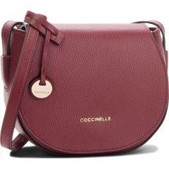 Torebka COCCINELLE - CF8 Clementine Soft E1 CF8 15 02 01 Grape R04. Czerwone listonoszki damskie Coccinelle, ze skóry. W wyprzedaży za 799,00 zł.