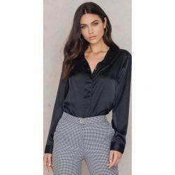 Rut&Circle Satynowa koszula Rebecka - Black. Czarne koszule damskie Rut&Circle, z poliesteru. Za 104,95 zł.