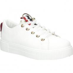 Białe buty sportowe creepersy Casu 123-2. Czarne buty sportowe damskie marki Casu. Za 79,99 zł.