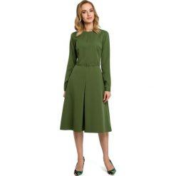 Zielona Elegancka Sukienka do Pracy za Kolano z Paskiem. Zielone sukienki balowe marki Molly.pl, do pracy, l, z klasycznym kołnierzykiem, mini, dopasowane. Za 139,90 zł.