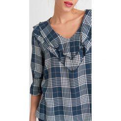 Bluzki, topy, tuniki: Bluzka w kratę z dekoltem carmen