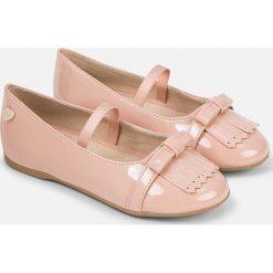 Mayoral - Baleriny dziecięce. Różowe baleriny dziewczęce marki Mayoral, z bawełny, z okrągłym kołnierzem. W wyprzedaży za 129,90 zł.