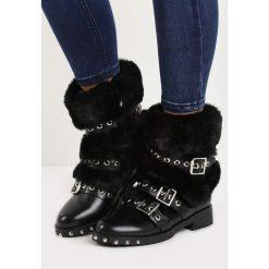 Czarne Botki Sasquach. Czarne buty zimowe damskie Born2be, na niskim obcasie. Za 129,99 zł.