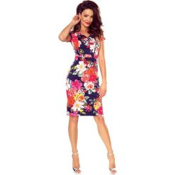 Vanda sukienka dzienna kwiaty na granacie. Różowe sukienki na komunię marki Bergamo, do pracy, w kwiaty, z materiału, biznesowe, midi. Za 155,00 zł.