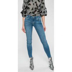 Liu Jo - Jeansy Divine. Niebieskie jeansy damskie rurki Liu Jo, z haftami, z bawełny, z obniżonym stanem. W wyprzedaży za 359,90 zł.