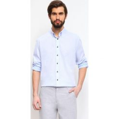 KOSZULA DŁUGI RĘKAW MĘSKA. Szare koszule męskie slim marki Top Secret, m, z klasycznym kołnierzykiem, z długim rękawem. Za 49,99 zł.