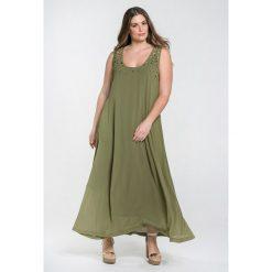 Długie sukienki: Długa rozszerzana sukienka bez rękawów