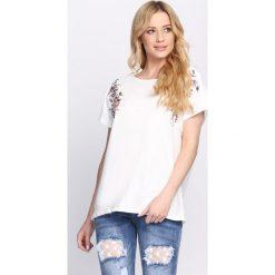 T-shirty damskie: Kremowy T-shirt Catch Me