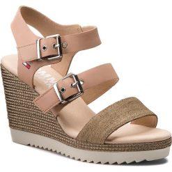 Rzymianki damskie: Sandały TOMMY JEANS – Denim Strappy Wedge Sandal EN0EN00195  Nude 003