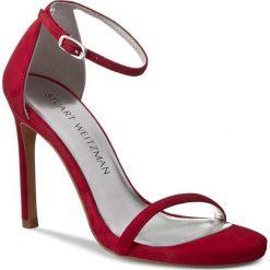 Rzymianki damskie: Sandały STUART WEITZMAN – Nudistsong Red Suede
