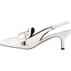 Bianca Di Czółenka bianco. Białe buty ślubne damskie Bianca Di, z materiału. Za 549,00 zł.