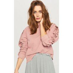 Bluzy damskie: Bluza z falbanami na rękawach – Różowy