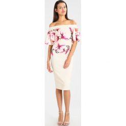 Sukienki hiszpanki: True Violet ABBASANTA MIDI DRESS FRILL SLEEVE DRESS Sukienka koktajlowa nude/pink