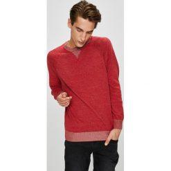 Pepe Jeans - Sweter. Brązowe swetry klasyczne męskie Pepe Jeans, l, z bawełny, z okrągłym kołnierzem. W wyprzedaży za 239,90 zł.