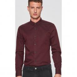 Gładka koszula slim fit - Bordowy. Czerwone koszule męskie slim marki Cropp, l. Za 69,99 zł.