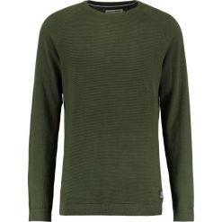 Swetry klasyczne męskie: TOM TAILOR DENIM CREW STRUCTURED Sweter woodland green
