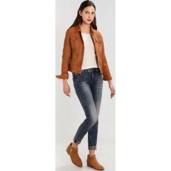 GStar MIDGE DCODY MID SKINNY Jeans Skinny Fit cerro denim. Niebieskie boyfriendy damskie G-Star. W wyprzedaży za 365,40 zł.