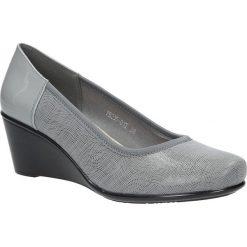 Szare czółenka na koturnie Sergio Leone PB235-03T. Czarne buty ślubne damskie marki Sergio Leone. Za 88,99 zł.