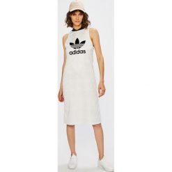Adidas Originals - Sukienka. Szare sukienki dzianinowe adidas Originals, na co dzień, z nadrukiem, casualowe, mini, proste. W wyprzedaży za 199,90 zł.