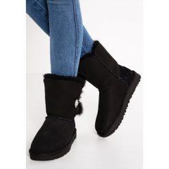UGG BAILEY Śniegowce black. Szare buty zimowe damskie marki Ugg, z materiału, z okrągłym noskiem. Za 1069,00 zł.