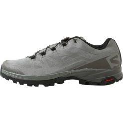 Salomon OUTPATH  Obuwie hikingowe beluga/castor gray/black. Szare buty sportowe męskie marki Salomon, z materiału, outdoorowe. W wyprzedaży za 455,20 zł.