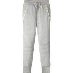 Spodnie dresowe z zamkami po bokach bonprix jasnoszary melanż. Szare dresy chłopięce bonprix, melanż, z dresówki. Za 37,99 zł.