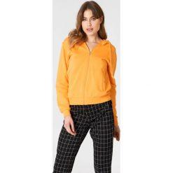 NA-KD Basic Bluza basic z kapturem - Orange. Różowe bluzy rozpinane damskie marki NA-KD Basic, prążkowane. Za 100,95 zł.