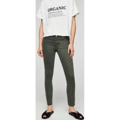 Mango - Jeansy Paty1. Szare jeansy damskie marki Mango, z bawełny. W wyprzedaży za 69,90 zł.
