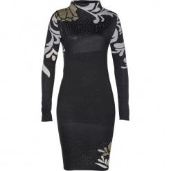 Sukienka dzianinowa bonprix czarny. Czarne sukienki dzianinowe marki Mohito, m, z kontrastowym kołnierzykiem. Za 119,99 zł.