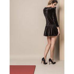 Długie sukienki: SUKIENKA ONE Z MIĘKKIEGO AKSAMITU CZARNA