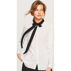 Koszula z wiązaniem przy kołnierzu - Kremowy. Białe koszule wiązane damskie marki Reserved, l, z dzianiny. Za 59,99 zł.