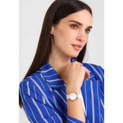Marc Jacobs CLASSIC Zegarek white. Białe, analogowe zegarki damskie Marc Jacobs. Za 919,00 zł.