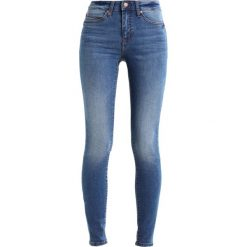 Noisy May NMLUCY SUPER SLIM Jeans Skinny Fit medium blue denim. Niebieskie rurki damskie Noisy May. Za 179,00 zł.