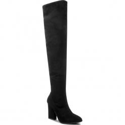 Muszkieterki GINO ROSSI - Lilia DKH606-T01-49SS-9900-0 99. Czarne buty zimowe damskie Gino Rossi, z materiału, przed kolano, na wysokim obcasie, na obcasie. W wyprzedaży za 419,00 zł.