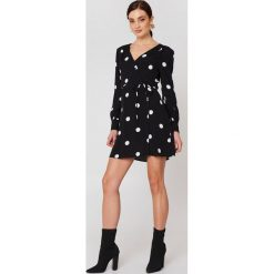Sukienki: MANGO Kopertowa sukienka w kropki - Black