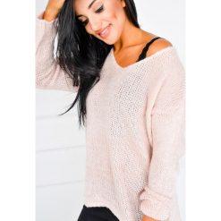 Swetry oversize damskie: Miękki sweter z dekoltem V