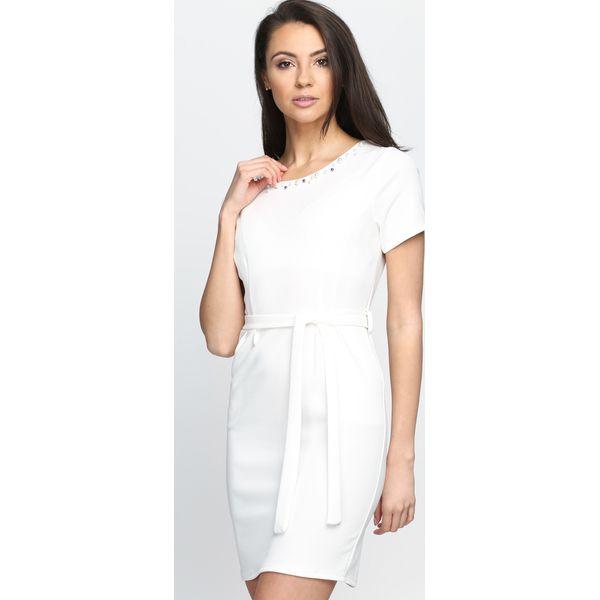 eec48b336c Biała Sukienka Stand Still - Białe sukienki damskie Born2be
