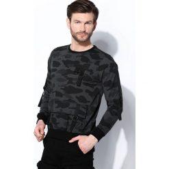 Szara-Moro Bluza Secret Passage. Czarne bluzy męskie rozpinane marki Born2be, l, z aplikacjami, z dresówki. Za 99,99 zł.