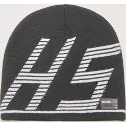 Czapka z nadrukiem - Czarny. Czarne czapki zimowe męskie marki House, z nadrukiem. Za 29,99 zł.