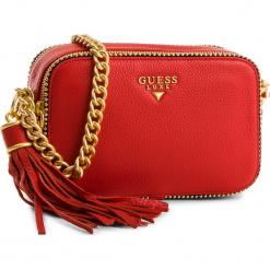 Torebka GUESS - HWARID L8239 RED. Czerwone torebki klasyczne damskie Guess, z aplikacjami, ze skóry. Za 859,00 zł.