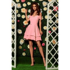 Zjawiskowa sukienka bardotka pudrowy róż LAURA. Czerwone sukienki letnie marki Lemoniade, na imprezę, z falbankami. Za 199,90 zł.