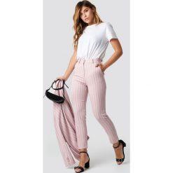 Spodnie damskie: NA-KD Classic Różowe spodnie w paski - Pink