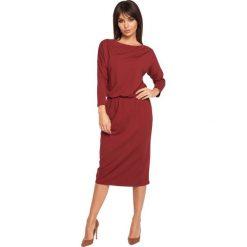 EDSEL Sukienka z dekoltem woda - bordowa. Czerwone sukienki hiszpanki BE, l, z wiskozy, z dekoltem woda, oversize. Za 129,99 zł.