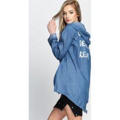 Ciemnoniebieska Bluza Rebuild. Szare bluzy rozpinane damskie marki Born2be, l, z napisami, z długim rękawem, długie. Za 49,99 zł.