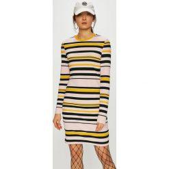 Noisy May - Sukienka Lina. Szare długie sukienki marki Noisy May, na co dzień, l, z dzianiny, casualowe, z okrągłym kołnierzem, z długim rękawem, dopasowane. Za 119,90 zł.