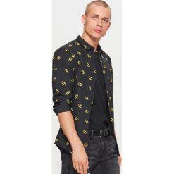 Koszula BATMAN - Czarny. Czarne koszule męskie marki Cropp, l, z motywem z bajki. Za 89,99 zł.