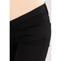 Boyfriendy damskie: Zalando Essentials Maternity Jeansy Slim Fit black denim