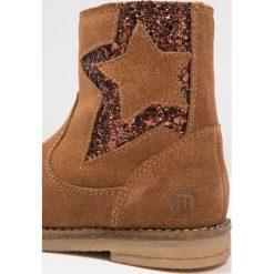Mtng NINA Botki camel/glitter bronze. Brązowe botki damskie skórzane marki mtng. W wyprzedaży za 179,25 zł.